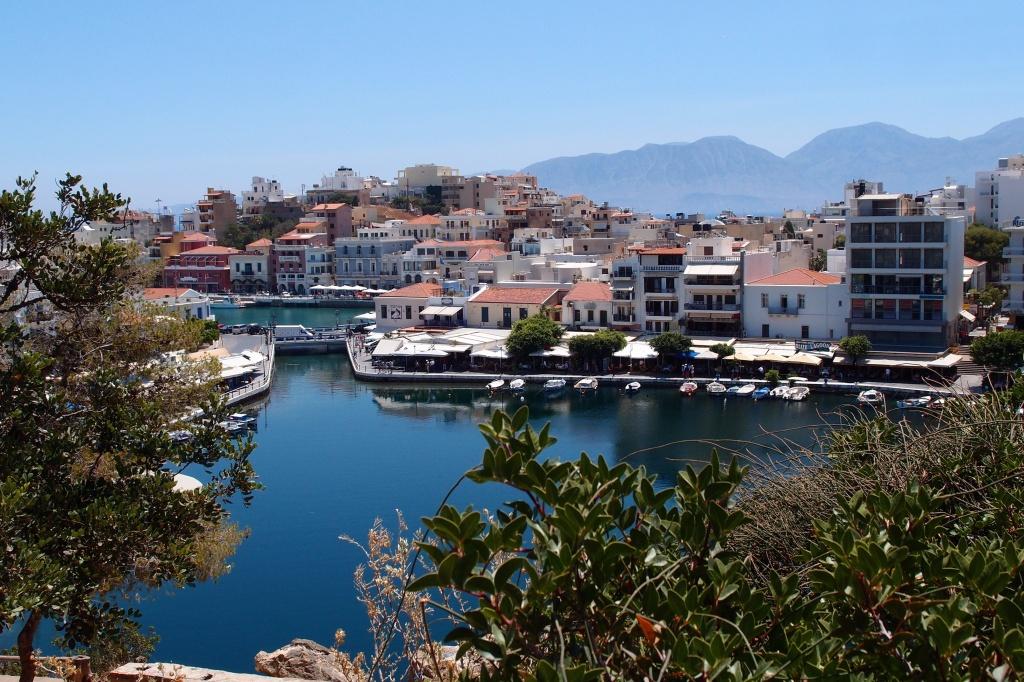 Widok na jezioro w Agios Nikolaos