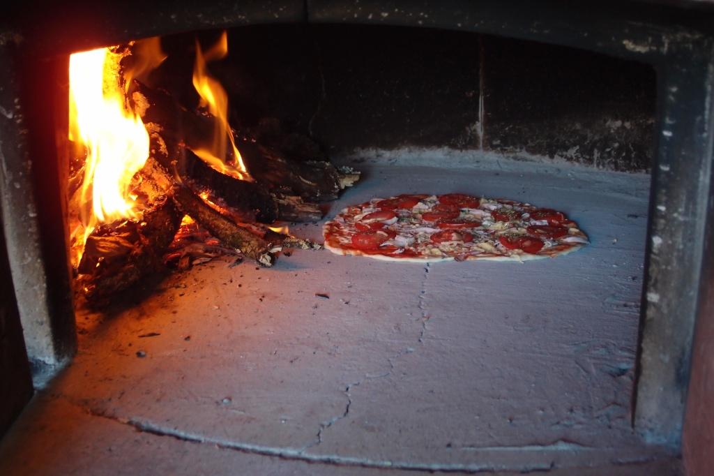Pizza już w piecu