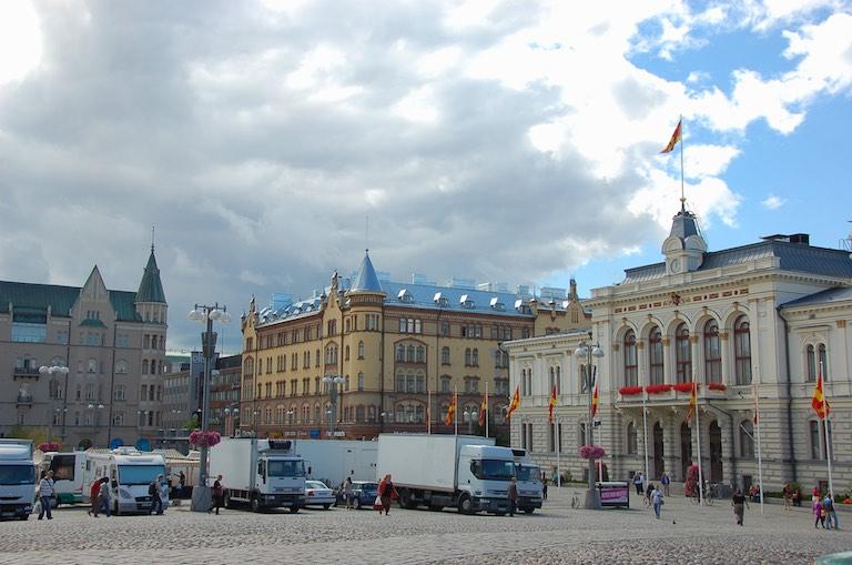Plac przed teatrem